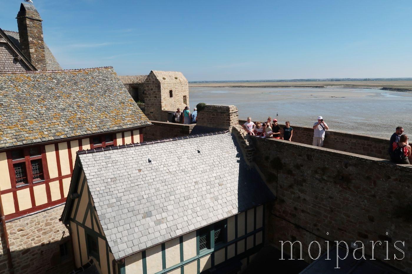 モンサンミッシェル、島内ホテル、窓の景色、海を一望。
