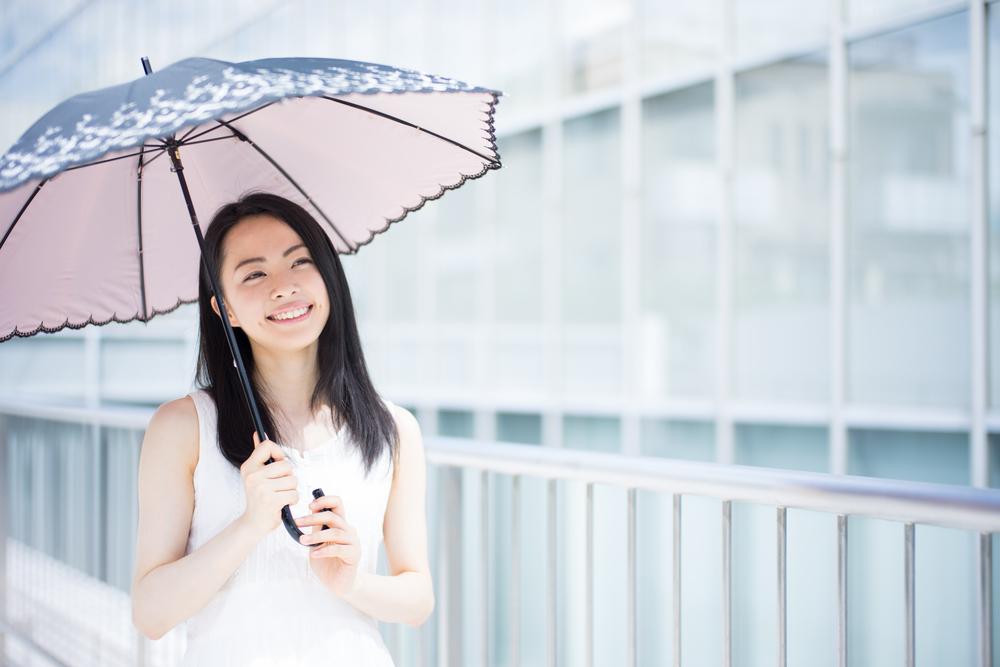 沖縄、ハネムーン、旅行、紫外線対策、日傘。