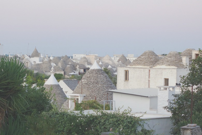 アルベロベッロでしか見れない圧巻のトゥルッロ家屋群
