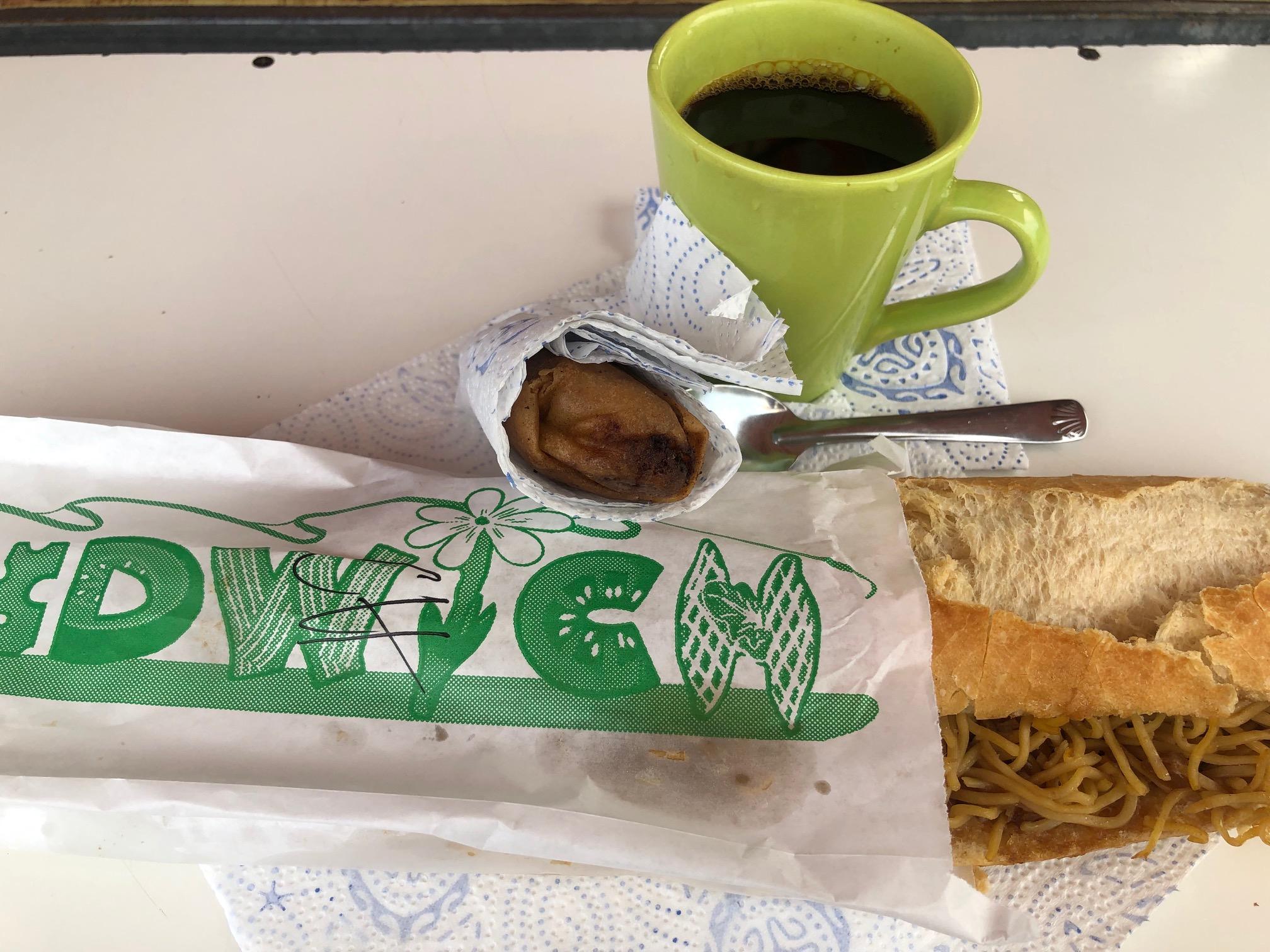 タヒチ、フアヒネ島、朝食、サンドイッチ、コーヒー