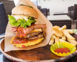 沖縄はハンバーガーのメッカ