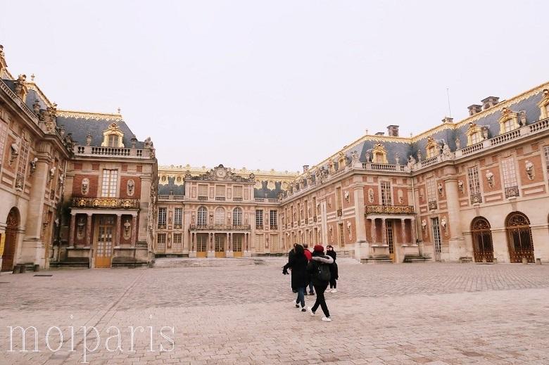 ヴェルサイユ宮殿とは