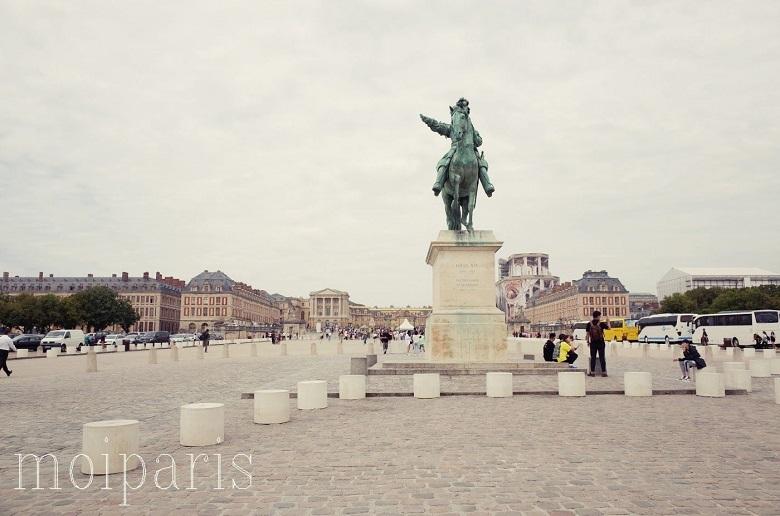 太陽王ルイ14世の騎馬像