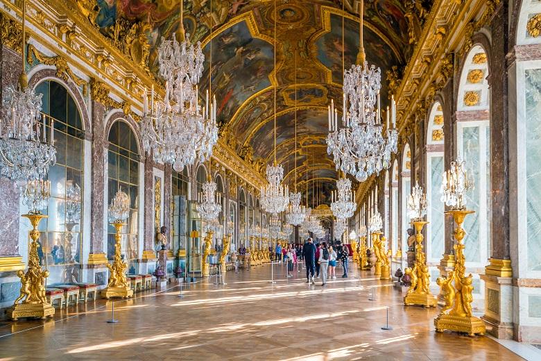 豪華絢爛な宮殿ヴェルサイユ