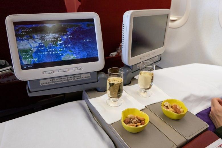 ハネムーンで飛行機の座席クラスを考える