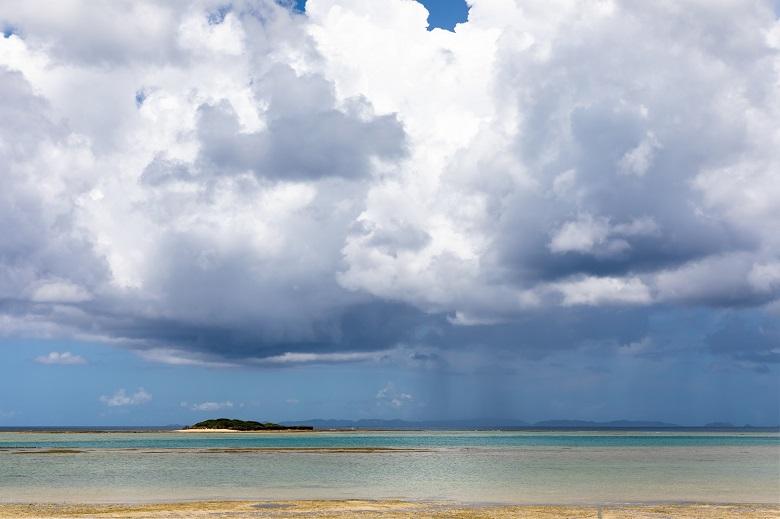 沖縄本島の雨雲