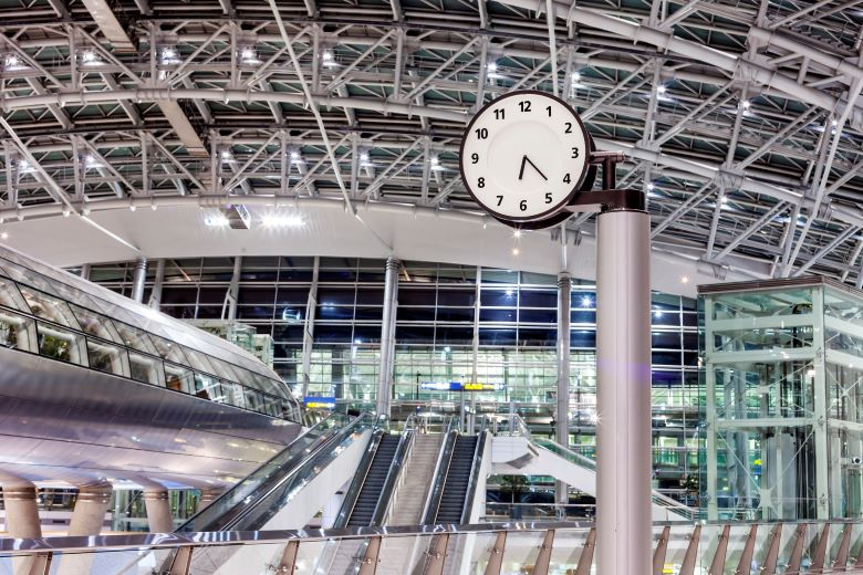 空港の時計