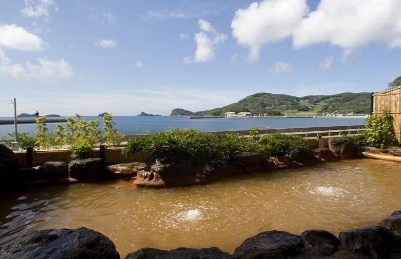 壱岐リトリート海里村上の温泉は自噴・源泉かけ流し