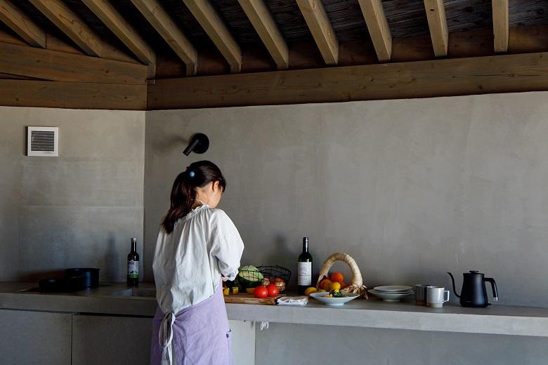 デラックスヴィラ内に設置されているキッチン