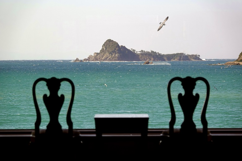 壱岐リトリート海里村上のロビーからの素晴らしい眺め